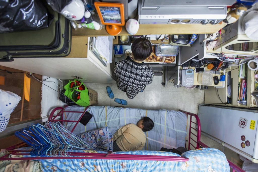 in-a-60-square-foot-apartment-in-hong-kong-a-mother-spends-487-a-month-to-house-herself-and-her-son